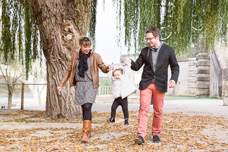 enfant et parents à Tours