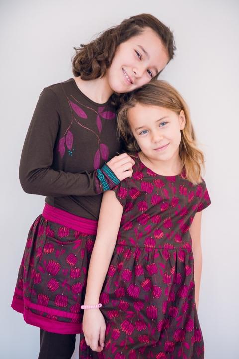 bisous entre deux soeurs