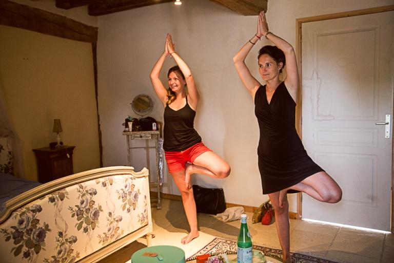 les témoins font un cours de yoga