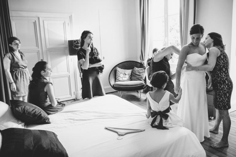 habillage de la mariée à la maison Jules à Tours