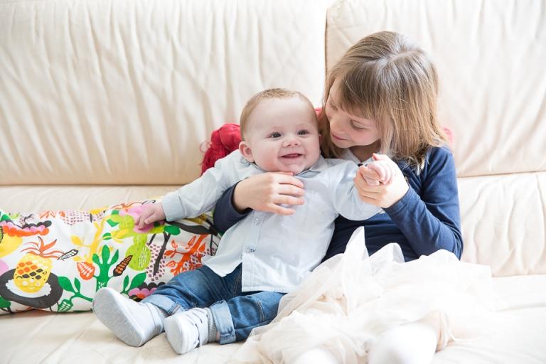 frère et soeur en photo