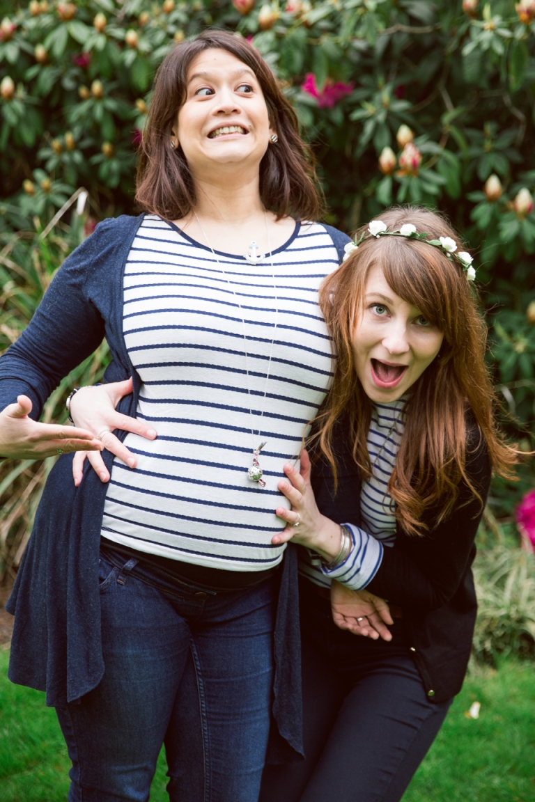 grossesse à Tours dans un parc